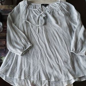 Womens~Size M~Woven Top~3/4 Sleeve